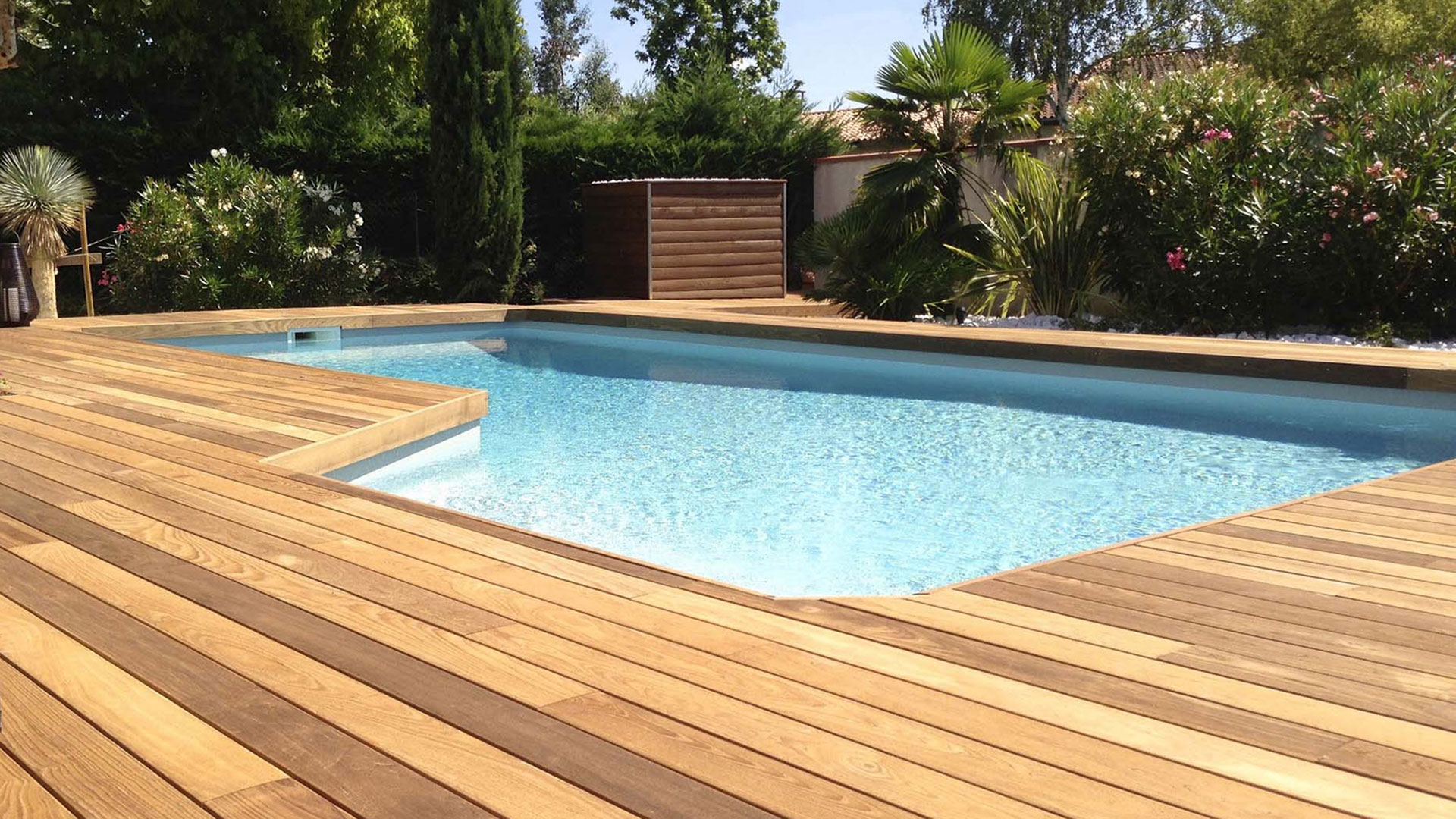 Picture of decking with the Grad System built by Wood Haven